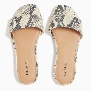 New Torrid Snakeskin Slide Sandals Size 8.5 Wide